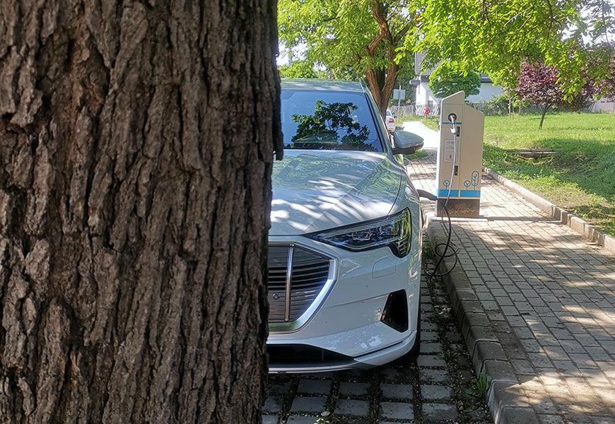 Audi e-tron lézerblokkoló teszt